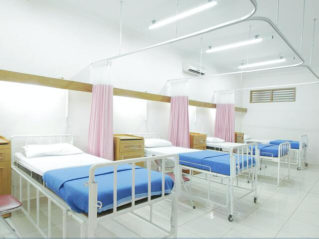 ナイトドクターの病院のロケ地は「東京脊椎クリニック」