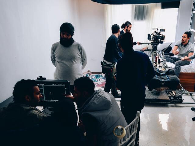 家族募集しますの脚本家や監督,スタッフやプロデューサーを紹介!